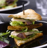 Club sandwich au foie gras et au magret fumé